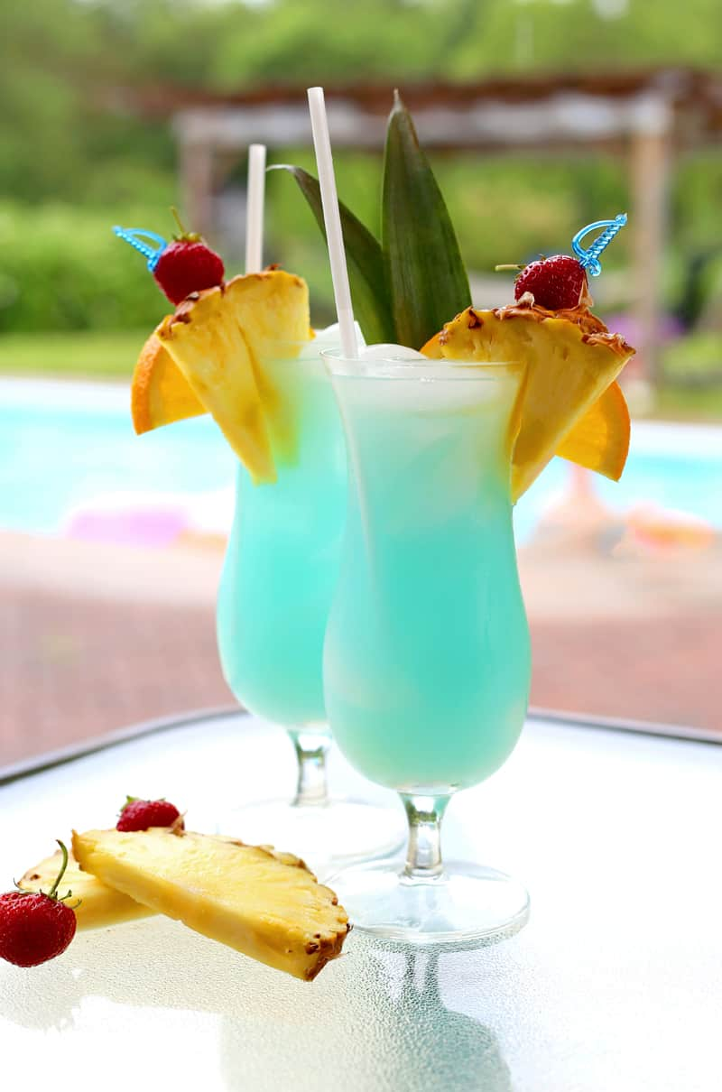 Refreshing Summer Mocktail Recipe featured by top US lifestyle blog, FYNES DESIGNS: Refreshing kid friendly summer drink idea