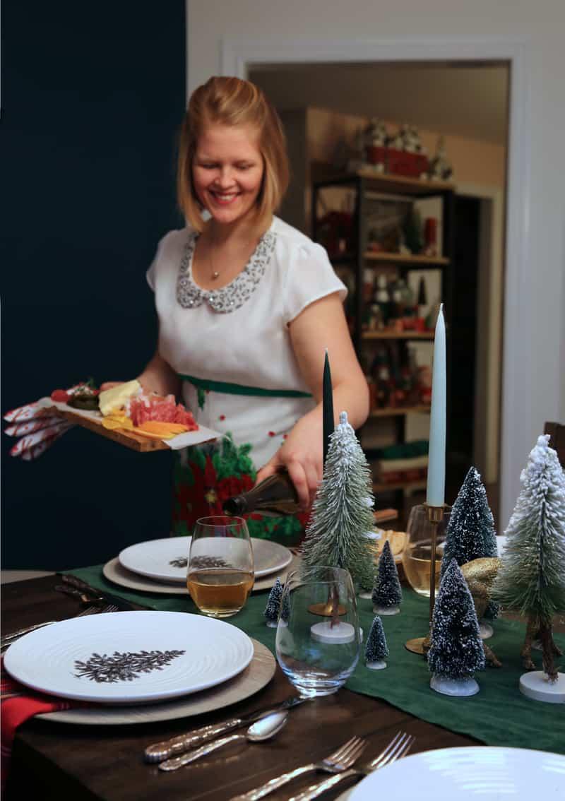 Christmas table setting by Fynes Desings