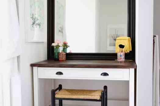 Bathroom makeup vanity