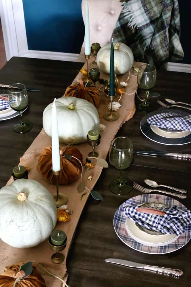 Thanksgiving centrepiece with wood an copper elements