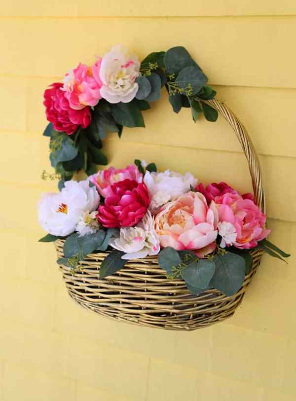 How to make a wicker basket into a wreath for your front door. Perfect idea for a spring or summer decor wreath.