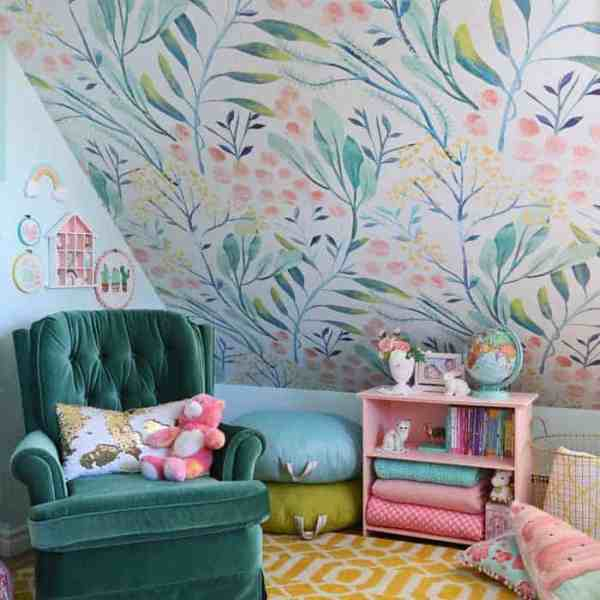 Slant ceiling bedroom ideas for a tween girl bedroom makeover