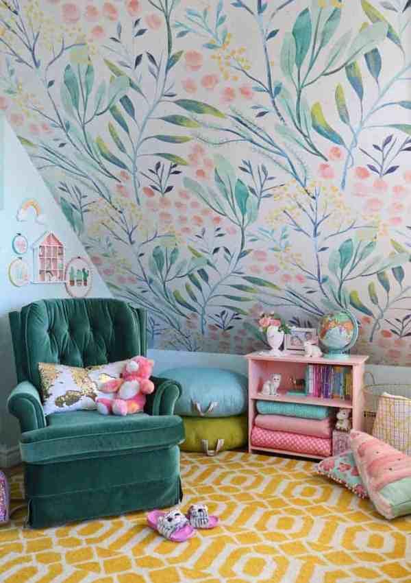 Slant ceiling bedroom ideas for a tween girl bedroom makeover
