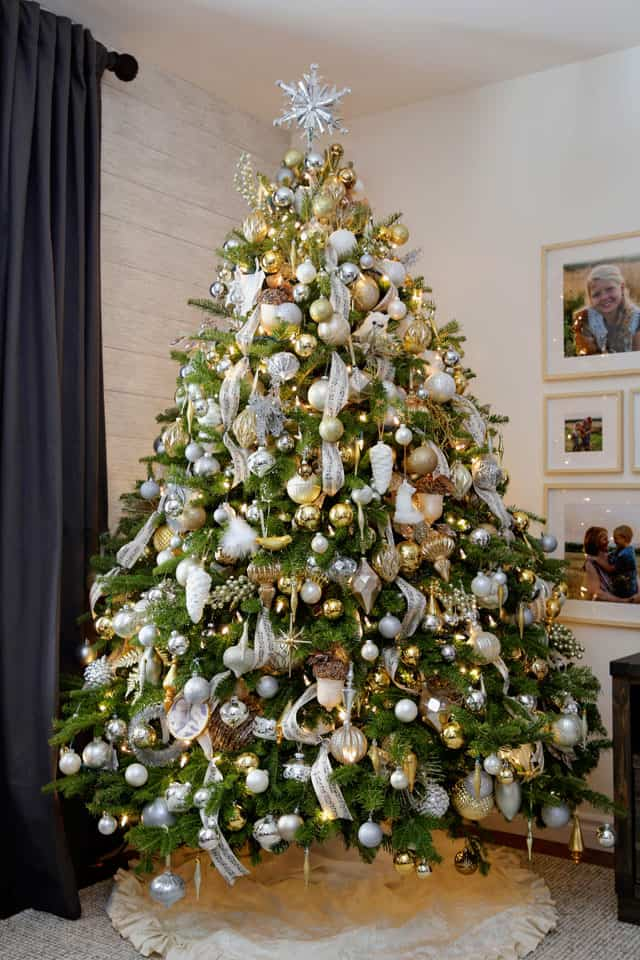 Christmas Home Decor Tour featured by top US design blog, Fynes Designs: Mixed Metals Christmas tree | Holiday Home Decor Tour 2019 by popular Nova Scotia life and style blog, FYNE Designs: image of a decorated Christmas tree.