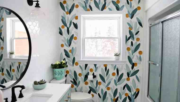 How to paint your own wallpaper mural, a step by step tutorial featured by top life and style blog, Fynes Designs | How to Paint Over Wallpaper in a Bathroom by popular US DIY blog, Fynes Designs: image of a bathroom with painted wallpaper.