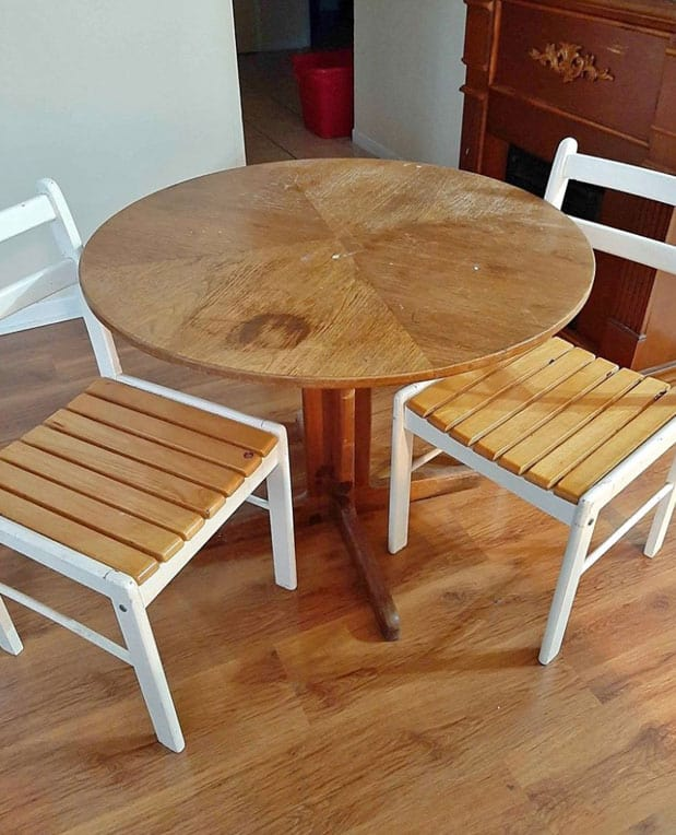 thrifted table and chair set | Jeffrey Court Tile by popular US life and style blog, Fynes Designs: image of a thrifted table and chair set.