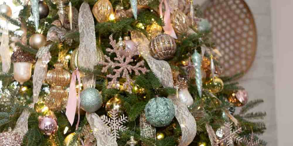 Pink and blue Christmas Decorating ideas