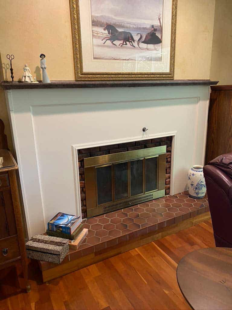 1990's fireplace makeover |Living Room Makeover by popular Canada life and style blog, Fynes Designs: before image of a dated 1990's living room.