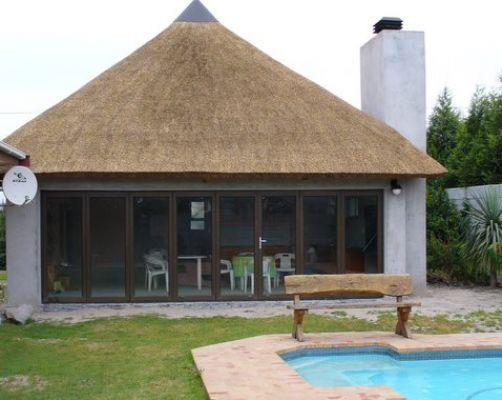 Traditional Thatch Roofs In Cape Town WC