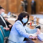 BREAKING Luni, elevii din București se duc la școală și grădiniță. Monica Anisie: Mâine dimineață la 8:00 am convocat inspectorii școlari pentru a realiza planul de măsuri privind desfășurarea activităților didactice online