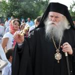 EXCLUSIV Noul arhiepiscop al Sucevei, Calinic, îi avertizează pe preoți să nu se implice în traficul de țigări și lemn