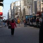 Carantină pe hârtie: Incidența infectării a crescut la Constanța după o săptămână de restricții/ Orașul aglomerat, fără patrule de control permanente