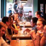Schimbări majore pentru restaurante și terase în București: capitala va avea un nou regulament unitar pentru avizare indiferent de sector. Dispare obligativitatea de a face un nou dosar la fiecare avizare
