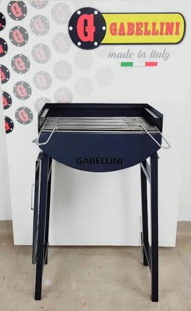 barbecue a carbonella e legna portatile con griglia in acciaio inox vista frontale