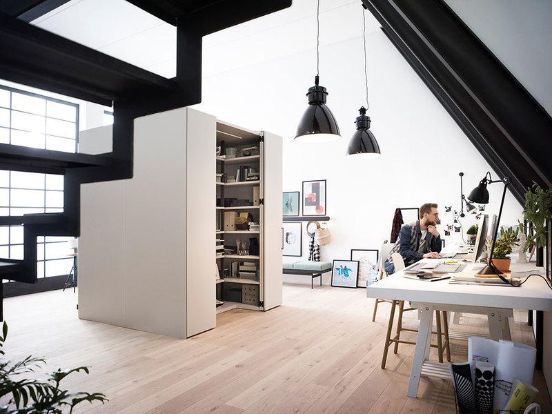 Se desideri avere, per la tua attività principale o per le tue passioni, un ufficio domestico, ecco qualche idea carina e utile per arredare lo studio di casa. Come Arredare Lo Studio Di Casa News Gabetti