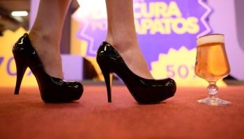 6410c979c FLS  a maior promoção de sapatos do país está chegando!