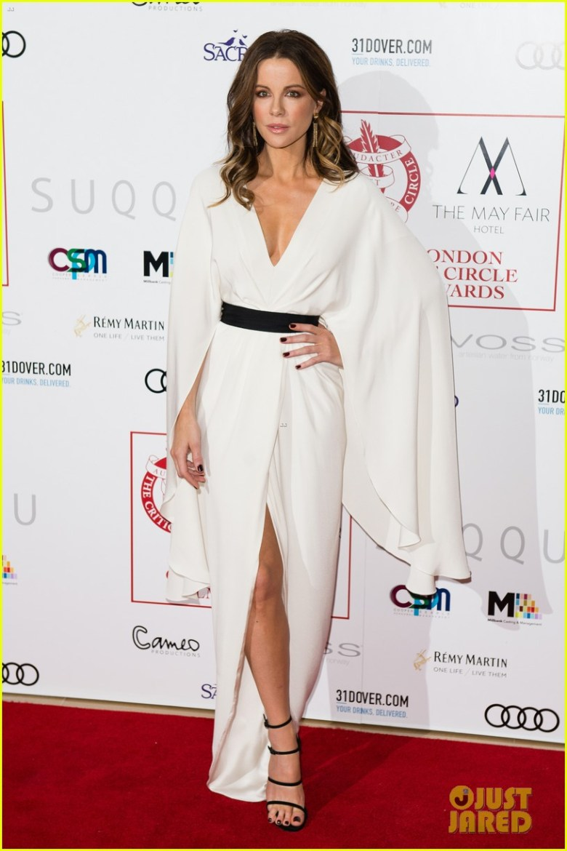 look impecável da Kate Beckinsale, vestido, moda, estilo, Christian Siriano, Kate Beckinsale, gown, outfit, fashion, inspiration