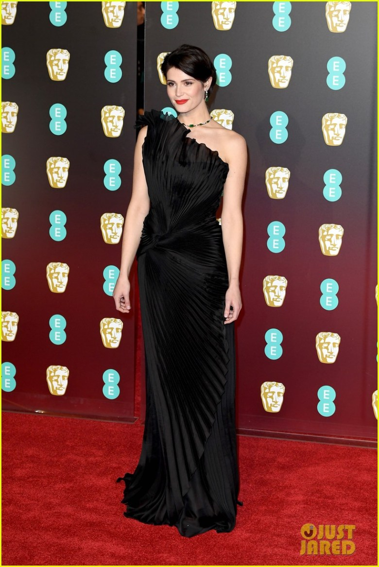 BAFTAs 2018, tapete vermelho, celebridades, looks, vestidos longos, moda, estilo, premiação, time's up, red carpet, celebrities, fashion, style, outfits, gowns, gemma arterton