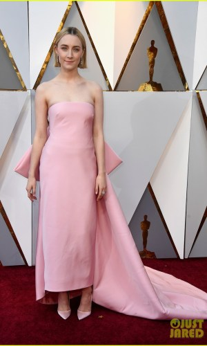 oscar 2018, tapete vermelho, celebridades, premiação, moda, estilo, looks, vestido longo, 2018 oscars, red carpet, celebrities, award season, fashion, style, gowns, outfits, saoirse ronan