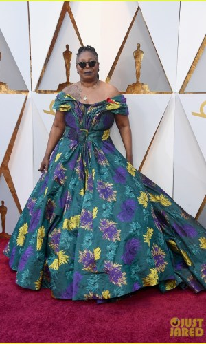 oscar 2018, tapete vermelho, celebridades, premiação, moda, estilo, looks, vestido longo, 2018 oscars, red carpet, celebrities, award season, fashion, style, gowns, outfits, whoopi goldberg