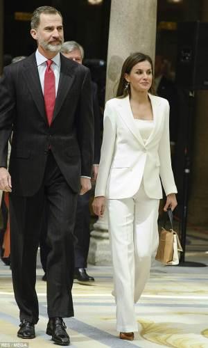 moda, estilo, looks, celebridades, mais bem vestidas da semana, best dressed of the week, celebrities, fashion style, outfits, rainha letizia, queen letizia