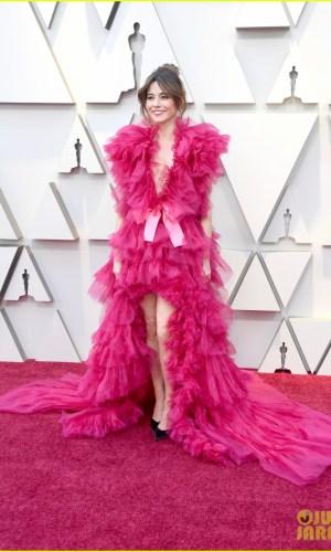 oscar 2019, tapete vermelho, celebridades, hollywood, moda, vestidos, looks, 2019 oscars, gowns, red carpet, celebrities, award season, linda cardellini