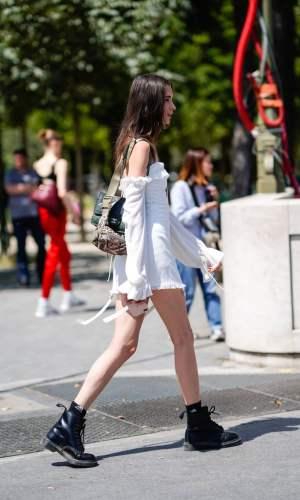 vestido e bota, combinação contrastante, look, tendência, look inverno, look outono, moda, estilo, fashion, style, trend, dress with boots, street style