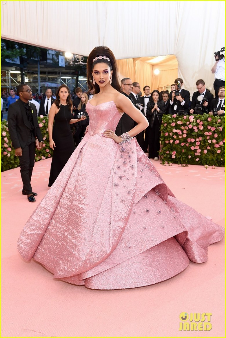 MET Gala 2019, Baile do Met, moda, estilo, celebridades, looks, Camp, fashion, style, red carpet, deepika padukone, zac posen