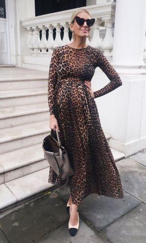 gravidez, mulher com vestido midi de onça, woman with a leopard midi dress