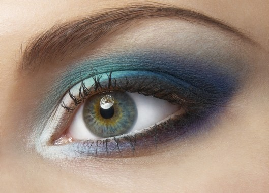 maquillar ojo pequeño