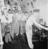Marinari anii 50 SUA, ei au impus tricoul alb