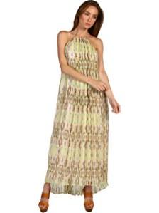 O rochie prea scurta pentru a fi considerata o rochie lunga :), asa ca ori o porti vara cu sandale joase, ori o lungesti