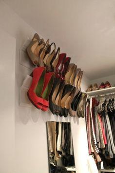 O idee ingenioasa de a organiza pantofii