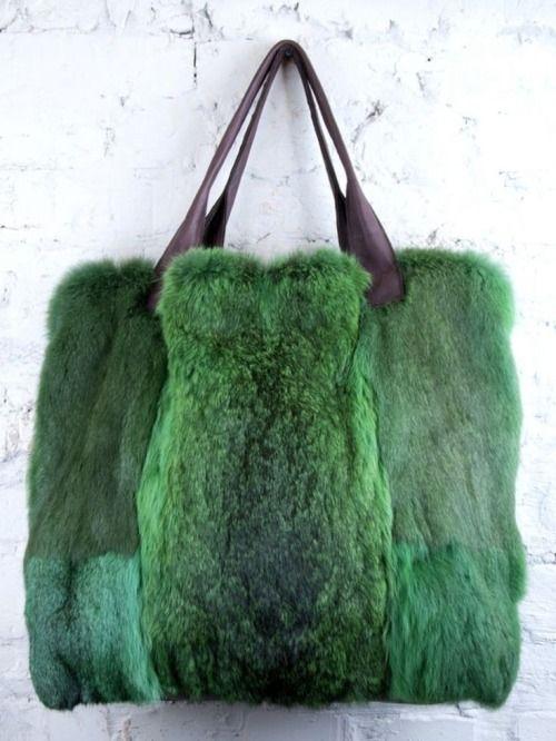 Cum iti reciclezi veche haina de blana naturala sau artificiala