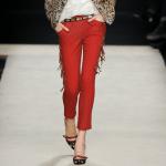 Pantaloni trei sferturi – manevra vestimentara de vara