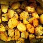 Cartofi la cuptor cu rozmarin si salvie
