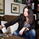 Vizita in garderoba – Alina Bancila, pictor si designer de bijuterie