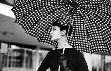 Vintage-Rain-Umbrella-Vogue-vintage4
