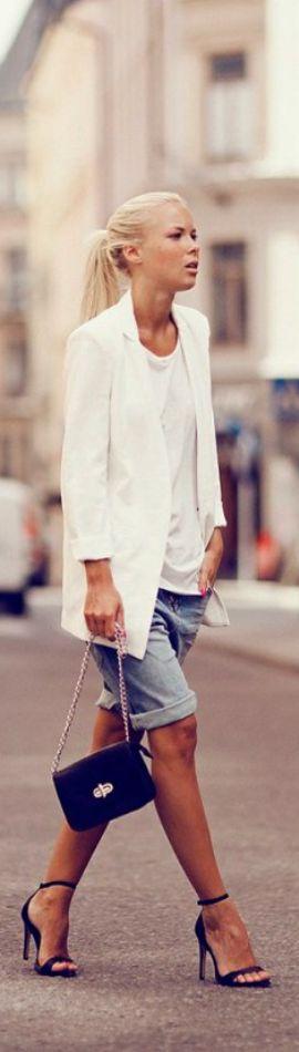 Pantalonii scurti pana la genunchi