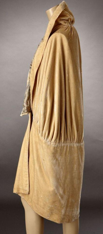 Cocoon coat 1920