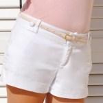 Pantaloni albi – manevra vestimentara de vara