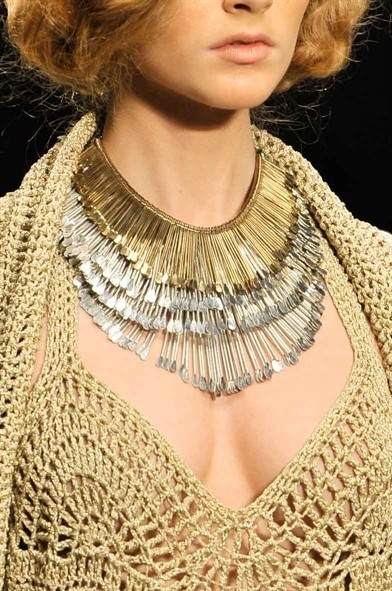 Auriu cu argintiu impreuna