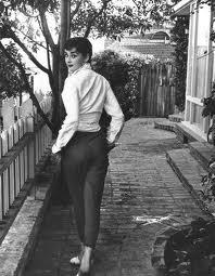 Una dintre imaginile iconice ale lui Audrey este cea in pantaloni 3/4