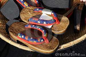 japanese-flip-flop-zori-sandal-market-14436528