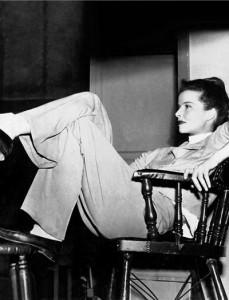 Katherine Hepburn si pantalonii