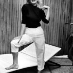 Marilyn Monroe a reintrodus in moda pantalonii 3/4! Ii purta intens in timpul liber