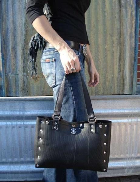 Geanta cauciuc reciclat www.redlime.ro