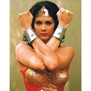 Bratarile scut ale Wonder Woman