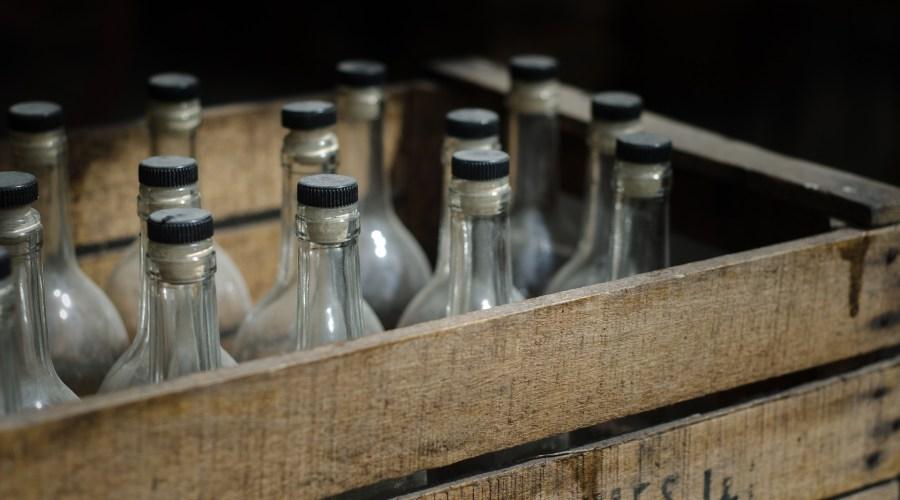 Flaschen in Kiste