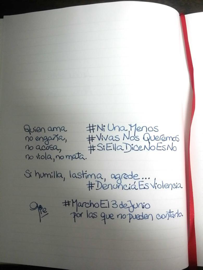 #NiUnaMenos  #VivasNosQueremos #SiTeMaltrataNoEsAmor